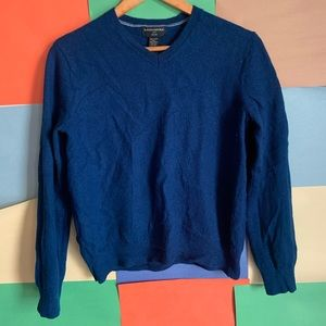 Banana Republic Merino Wool V neck sweater size L